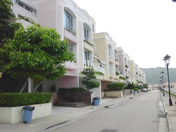 THE REDHILL PENINSULA, PALM DRIVE - Tai Tam